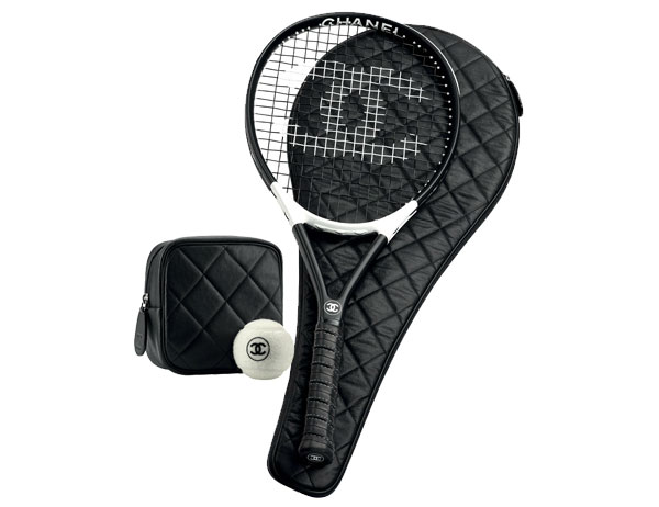 chanel sport accessoires voor de sportieve fashionista. Black Bedroom Furniture Sets. Home Design Ideas