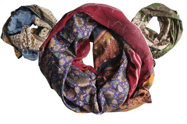 i am jai maakt unieke zijden shawls van vintage sari's