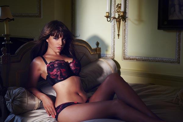 Kelly Brook Valentine Lingerie collectie bij New Look