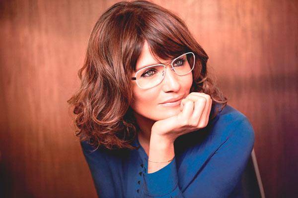 Helena Christensen is het nieuwe gezicht van Specsavers