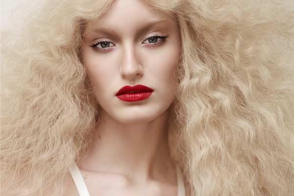 Fashion Film Trend: FotoFloor presenteert Crinis.13