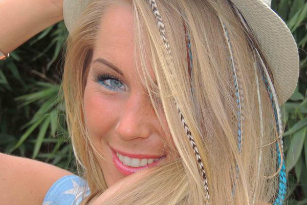 Ibiza Feathers Look van Featherworkxx