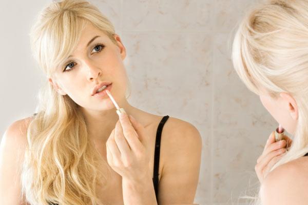 Beauty Onderzoek - Nooit zonder make-up de deur uit!