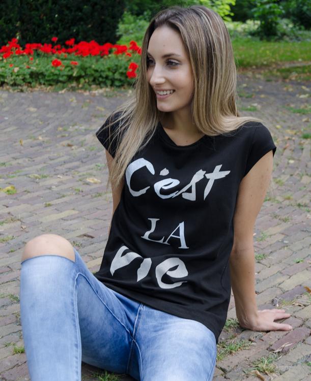 C'est-La-Vie-Shirt-–-zwart