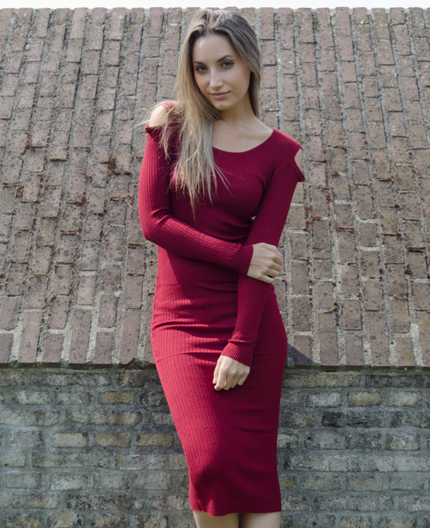 Cold-Shoulder-Dress-–-rood